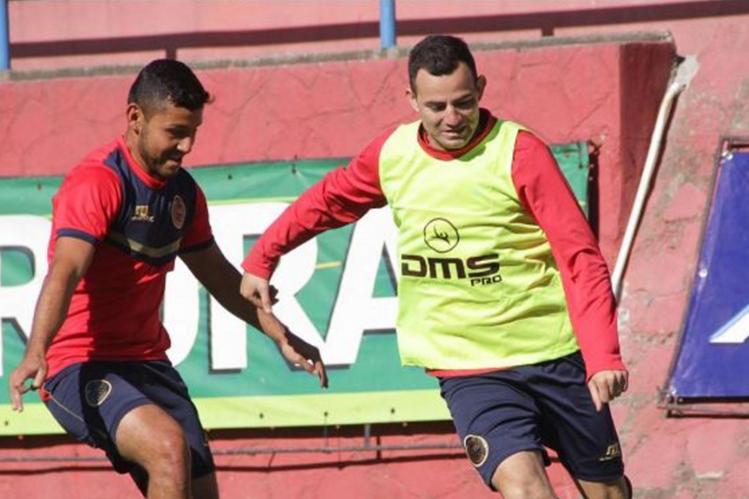 El volante de Municipal, Marco Pablo Pappa, fue la gran ausencia del entrenamiento rojo. (Foto Prensa Libre: Hemeroteca PL)