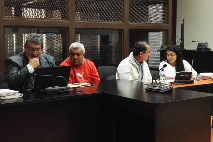 Ministerio Público presentó escuchas telefónicas que vinculan a Byron Leonel Linares y Nazario Arana Navas en caso La Línea. (Foto Prensa Libre: Jerson Ramos)