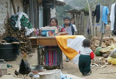 La movilidad ocupacional en Guatemala es escasa. Las mujeres tienen mayor movilidad ocupacional que los hombres, lo mismo puede decirse del grupo étnico indígena con respecto al no indígena.