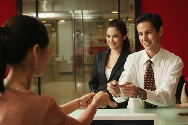 Las entidades bancarias llaman a sus accionistas a que actualicen sus datos de manera anual. (Foto Prensa Libre: Hemeroteca)