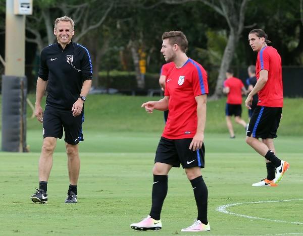 Jurgen Klinsmann, entrenador de Estados Unidos, tendrá como fogueo el partido contra Puerto Rico. (Foto Prensa Libre: AP)
