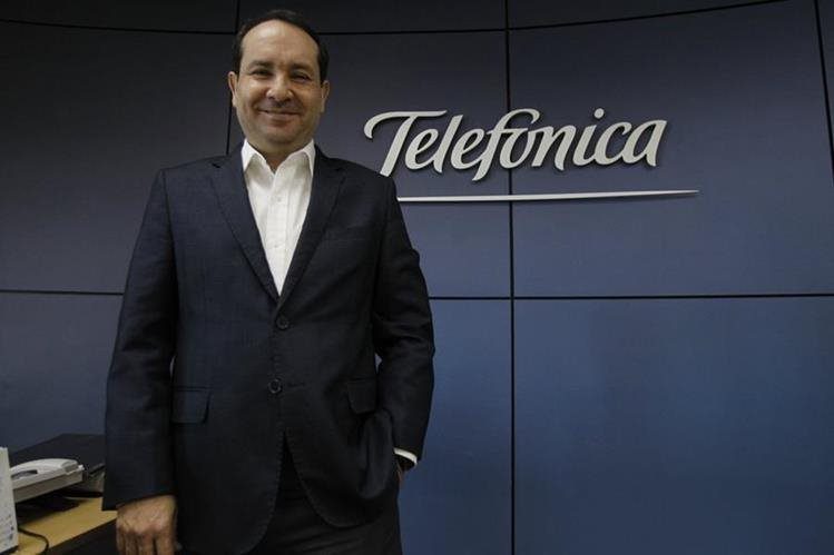 Osman Rodríguez es el director ejecutivo de Telefónica Centroamérica desde el 2010, y compartió las últimas novedades que la compañía lanzará en el corto plazo. (Foto Prensa Libre: Paulo Raquec)