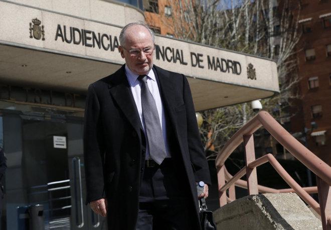 Rodrigo Rato a su salida de la audiencia luego de declarar en Madrid, España.(EFE).