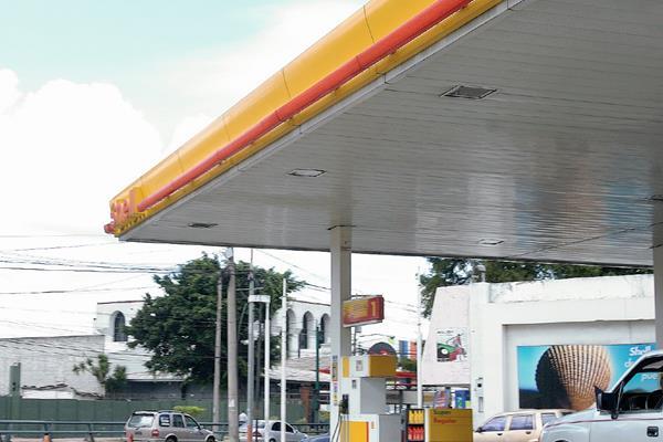 Las gasolinas  subirán de precio en Honduras a partir del lunes. (Foto Prensa LIBRE: Hemeroteca PL).