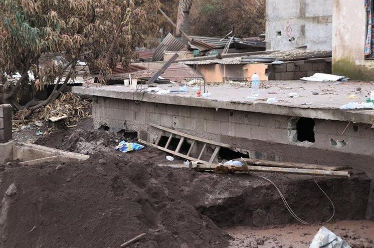 En San Miguel Los Lotes y El Rodeo reina la desolación luego de la tragedia por la erupción del Volcán de Fuego. (Foto Prensa Libre: Enrique Paredes).