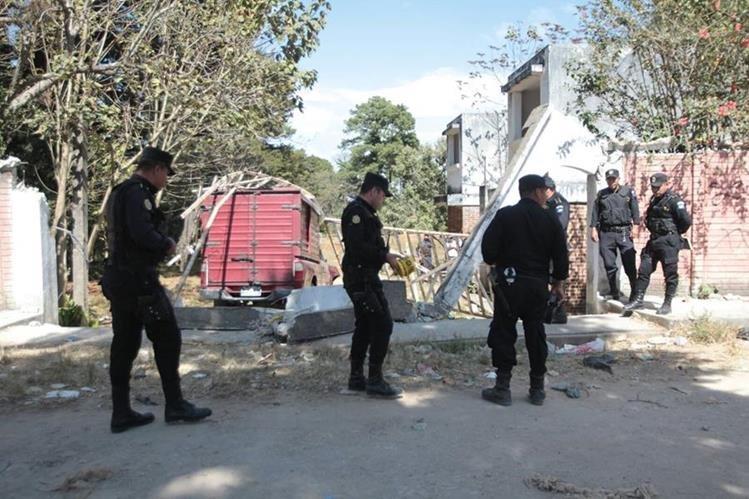 En el Lugar del ataque murió una persona. (Foto Prensa Libre: Erick Ávila)
