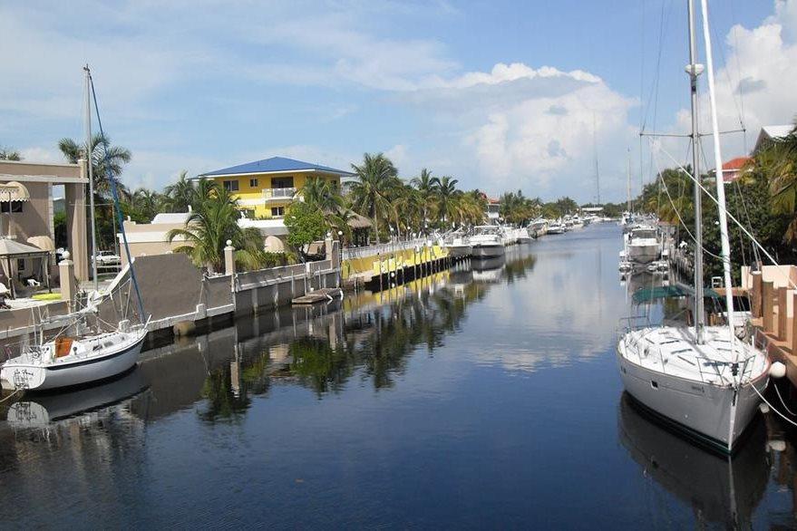 Marejadas han afectado viviendas de los cayos del sur de Florida. En la foto, Cayo Largo (Foto PL: Internet)