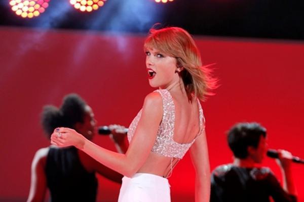 <p>Nuevo álbum de Taylor Swift explora sus raíces en la música country (Foto Prensa Libre: AP).</p>
