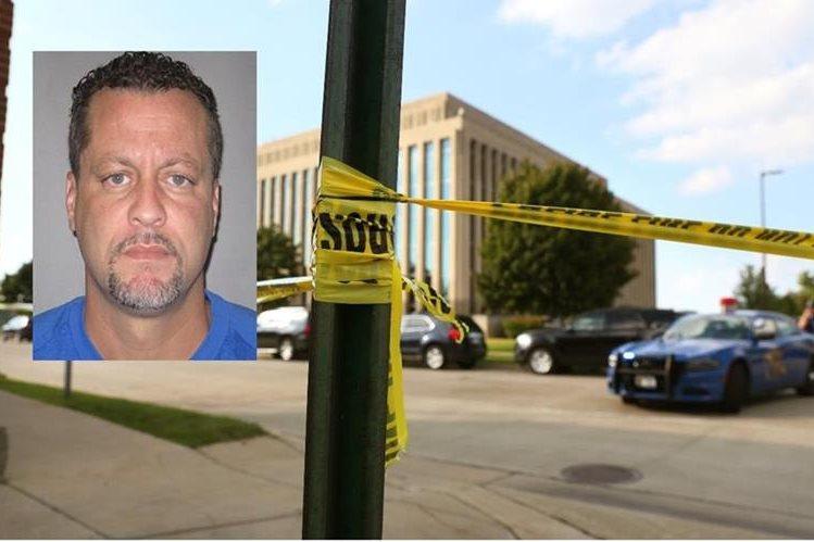 Larry Darnell Gordon mató a dos policías en una corte de Michigan. (AP