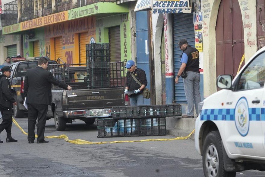 En la zona 1 de Villa Nueva un desconocido mató a balazos a un vendedor de verduras. (Foto Prensa Libre: É. Ávila)