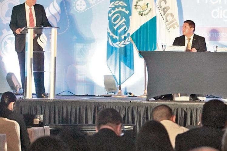 José Manuel Salazar,  director regional de la OIT, expuso sobre retos laborales que enfrenta el país.