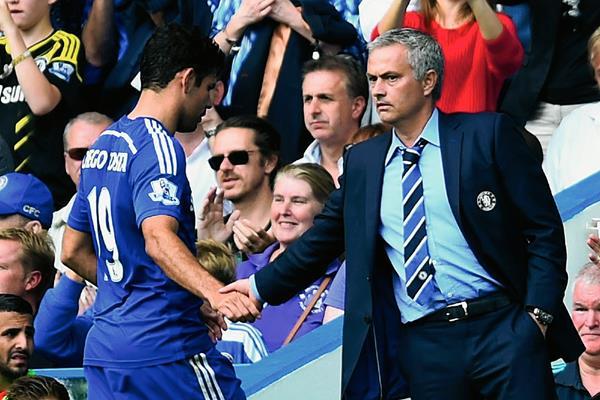 José Mourinho, técnico del Chelsea y Diego Costa en un partido de la Liga Premier, disputado en agosto de 2014.  (Foto Prensa Libre: Hemeroteca PL)