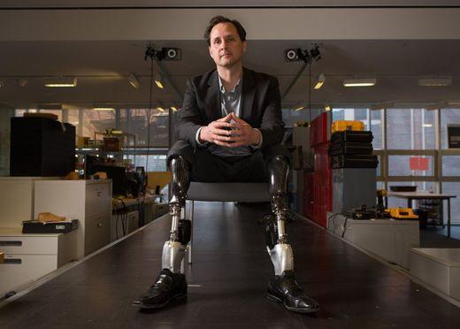 Hugh Herr cree que nos estamos adentrando en una nueva era de conexión entre máquinas y humanos. MIT