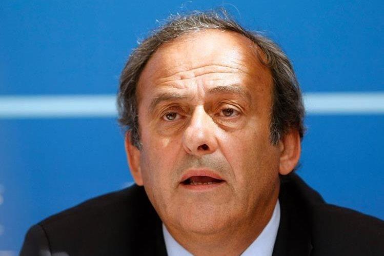 El presidente de la Real Federación Española de Fútbol (RFEF), Ángel María Villar, será uno de los testigos de la defensa de Michel Platini. (Foto Prensa Libre: EFE)
