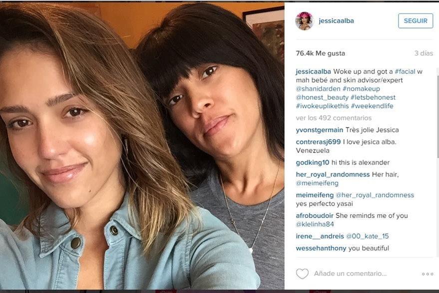 Dejando a un lado el glamur, Jessica Alba se muestra al natural. (Foto Prensa Libre: Tomada de Instagram/jessicaalba/).