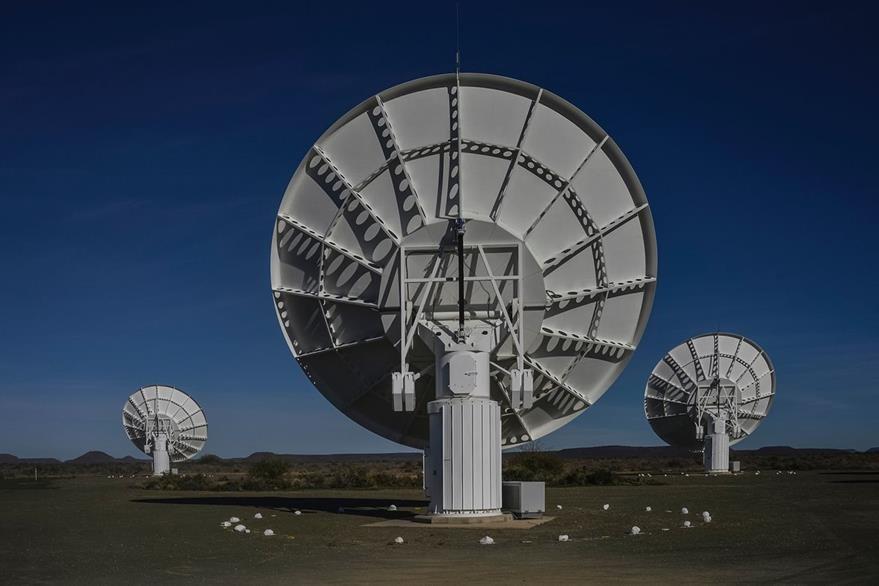 La ciencia permanentemente busca señales de vida en el resto del universo. En la imagen, parte de las antenas del telescopio MeerKat ubicado en Sudáfrica. (Foto Prensa Libre: AFP).