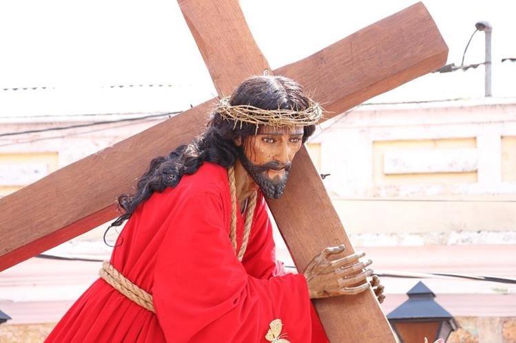 La imagen de Jesús Nazareno de La Merced saldrá en procesión, en conmemoración de los 800 años de fundación de la orden mercedaria. (Foto Prensa Libre: Julio Sicán)