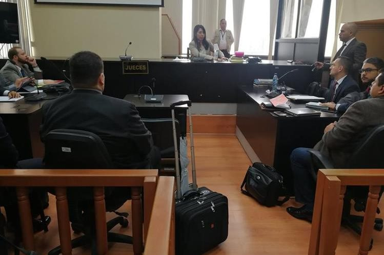 La audiencia de primera declaración se realizó en el Juzgado de Mayor Riesgo D. (Foto Prensa Libre: Kenneth Monzón)