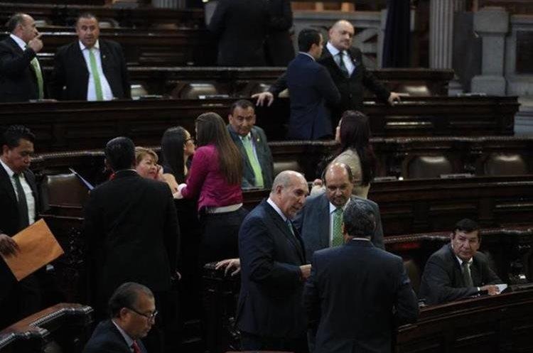 Comisión tendrá un plazo de 45 días para hacer propuestas sobre el delito de financiamiento electoral ilícito. (Foto Prensa Libre: Carlos Hernández)