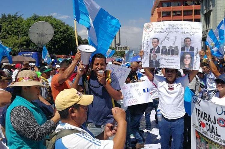 Desde que los diputados quitaron el antejuicio al presidente Jimmy Morales, los guatemaltecos los han vinculado como el pacto de corruptos.
