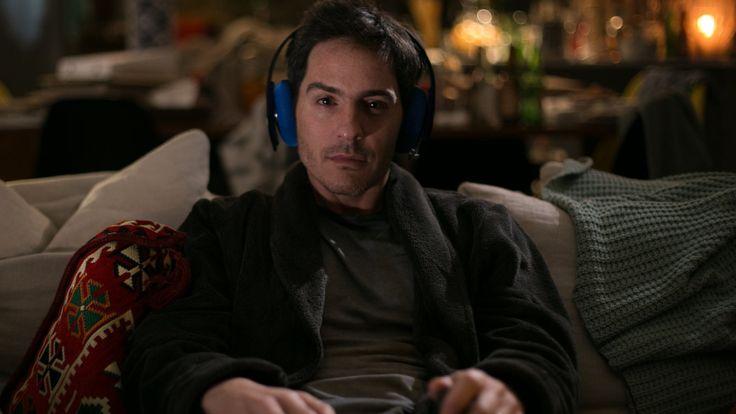 El mexicano Mauricio Ochmann interpreta al personaje protagonista, que no recibe bien la noticia de que su mejor amigo es homosexual. (Sobras).