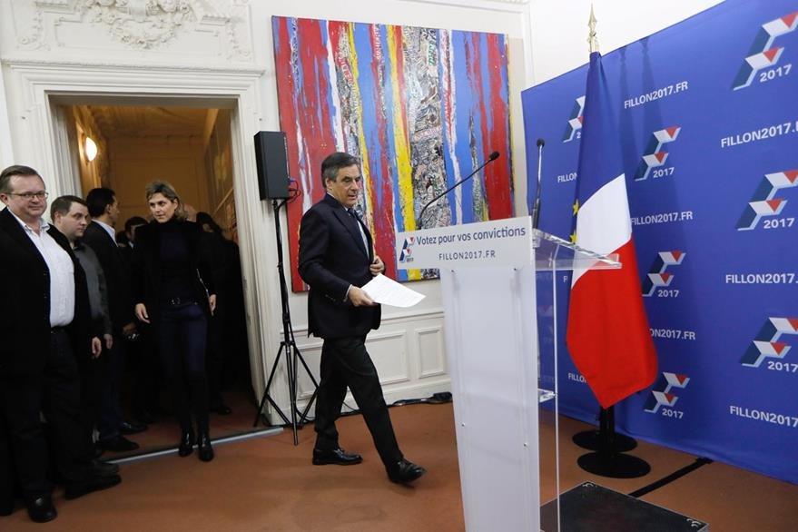 Francois Fillon recibirá el apoyo de la mayoría del partido de derecha en Francia. (EFE)
