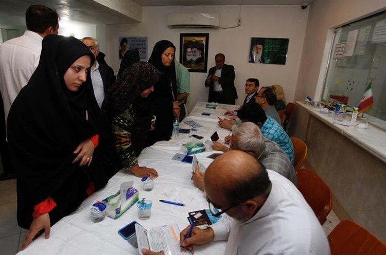 Los iraníes eligen hoy presidente y autoridades municipales.