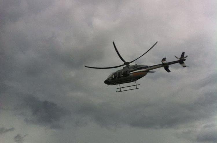 Los tres ministros retornaron a la capital en un helicóptero de la Fuerza Aérea. (Foto Prensa Libre: Cortesía Ramiro Marroquín)