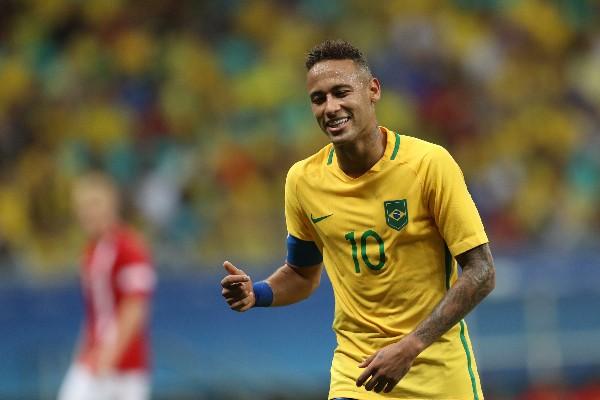 El astro brasileño Neymar celebra su primer gol en los Juegos Olímpicos. (Foto Prensa Libre: EFE)