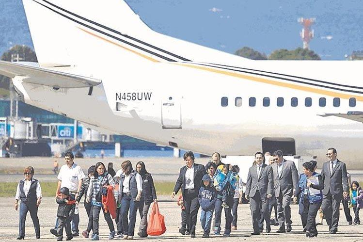 Las deportaciones son el principal temor de los guatemaltecos en EE. UU., mientras la autoridades en Guatemala mantienen la expectativa de las decisiones de Trump. (Foto Prensa Libre: Hemeroteca PL)