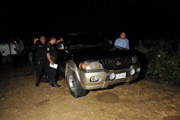 Las autoridades investigan la muerte del ganadero Roberto Pineda González, ultimado en Sayaxché, Petén. (Foto Prensa Libre: Rigoberto Escobar)