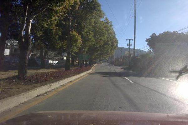 """<p>La carretera Interamericana, por San Lucas, el tránsito era escaso también. (Foto Prensa Libre: César Pérez M.)<br _mce_bogus=""""1""""></p>"""