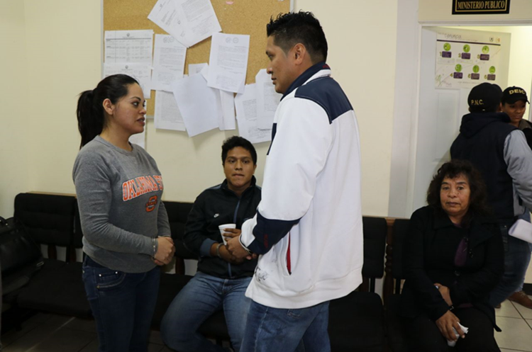 Los cuatro sindicados en el Juzgado de Primera Instancia Penal de San Marcos. (Foto Prensa Libre: Whitmer Barrera)