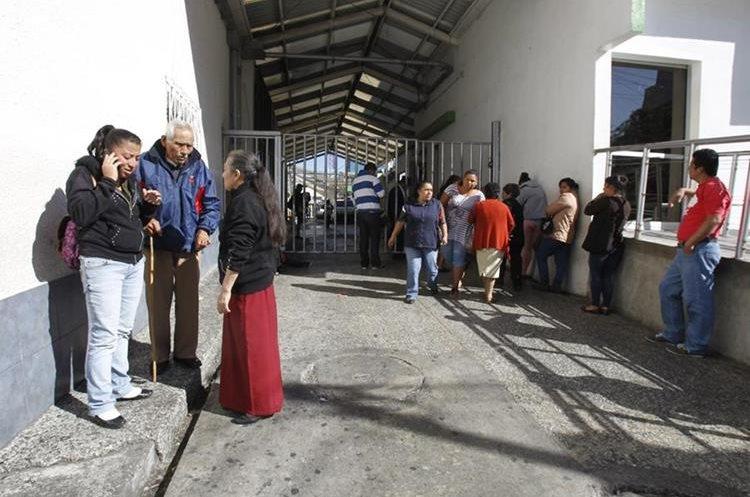 El IGGS de la zona 9 atiende a gran cantidad de pacientes de todo el país. (Foto Prensa Libre: Hemeroteca PL).