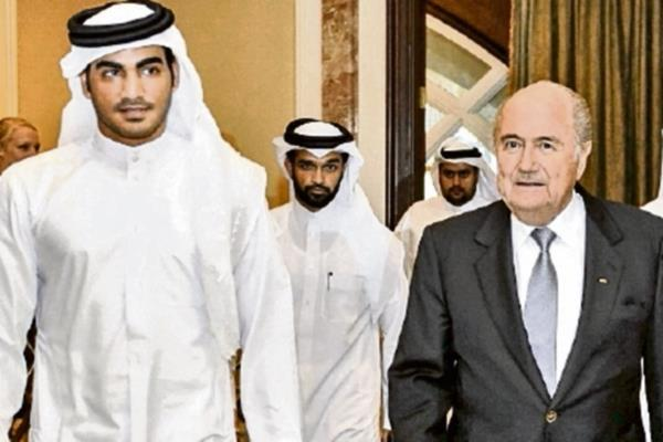 QTR 021.Sheik Mohammed bin Hamad al-Thani, Chairman del Comité Organizador de Catar 2022 junto a Blatter. (Foto Prensa Libre: Hemeroteca PL)