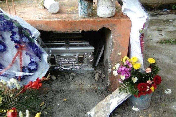 Las autoridades investigan el hecho ocurrido en Zacapa. (Foto Prensa Libre: Mario Morales)
