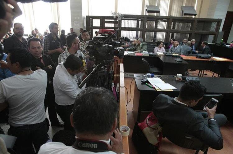 Juzgado de Mayor Riesgo B suspendió la audiencia de acusación porque un procesado no contaba con abogado. (Foto Prensa Libre: Carlos Hernández)