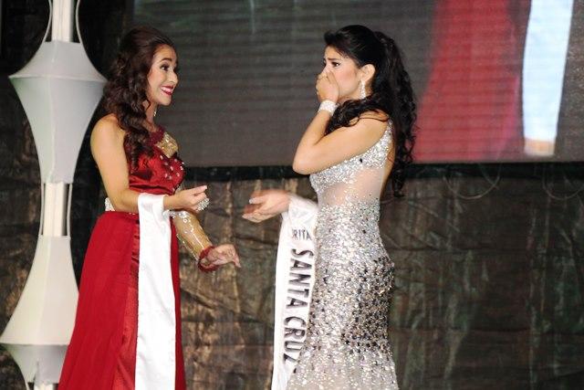 Glendy Maricela Vides Perdomo, al momento de ser nombrada nueva Señorita Nuestra Belleza Monja Blanca. (Foto Prensa Libre: Eduardo Sam)