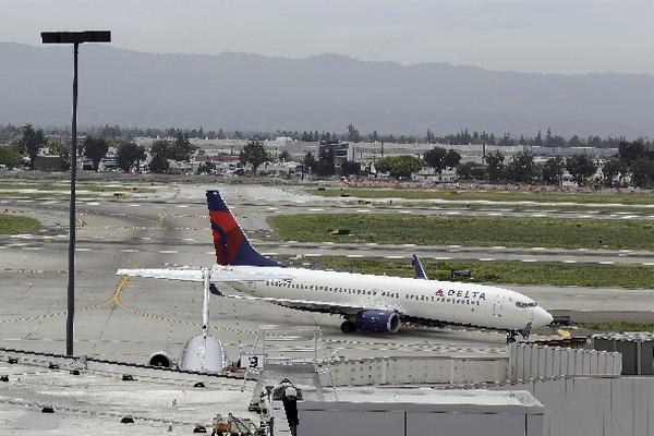 """<p>Avión en el que se encontró al niño (Foto Prensa Libre: AP)<br _mce_bogus=""""1""""></p>"""