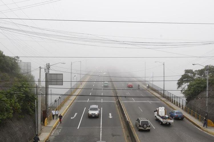Vista panorámica del Puente El Naranjo, zona afectada por la neblina.