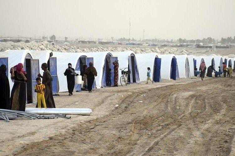 Un campo de refugiados en Faluya a 60 kilómetros al oeste de Bagdad, Irak. (Foto Prensa Libre: EFE).