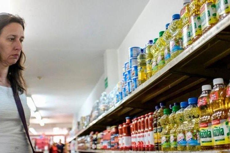 Los consumidores han notado en los últimos años cómo se reduce el tamaño de la presentación de los productos. GETTY IMAGES