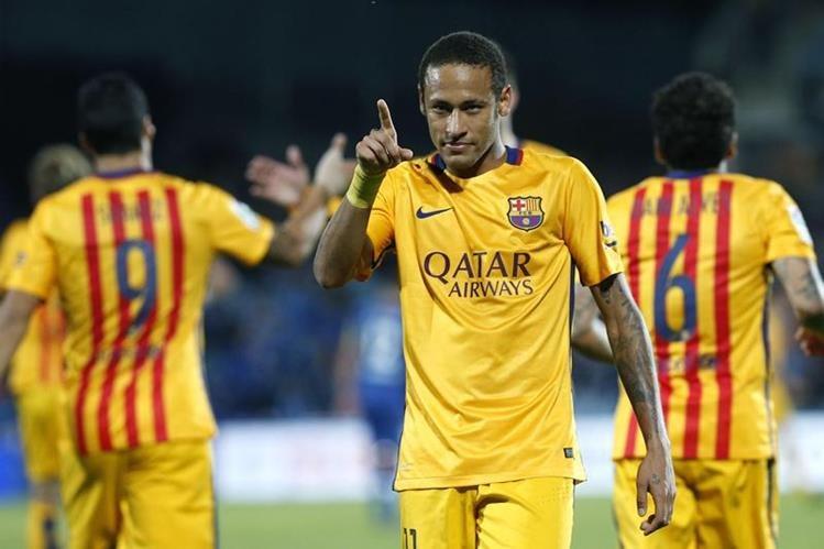 Barcelona sigue en busca de desbancar al Madrid de la cima de la Liga. (Foto Prensa Libre: EFE)