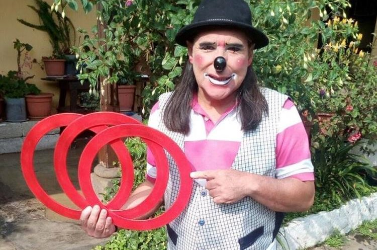 Manzanita dará un taller de actuación y presentará un show de malabares, durante su estadía en Francia. (Foto Prensa Libre: María Longo)