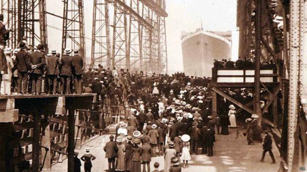 El incendio en uno de los cuartos de carbón se inició en Belfast, Irlanda del Norte. De ahí partió a Southampton, en el sur de Inglaterra, y de ahí a Nueva York. PA