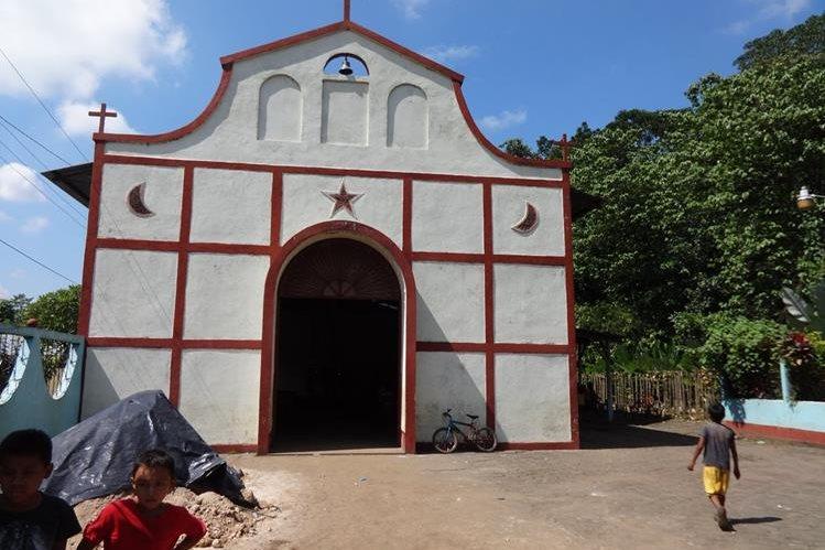Las imagenes fueron robadas de la ilgesia católica del sector Corazón de Jesús, aldea Barrios I, en San Antonio, Suchitepéquez.(Foto Prensa Libre: Omar Méndez)