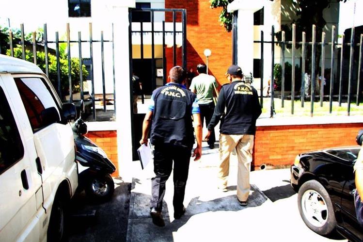 Sede del MP en la ciudad de Retalhuleu, donde fueron denunciados los tres agentes de la PNC y dos particulares sindicados de robo. (Foto Prensa Libre: Rolando Miranda).