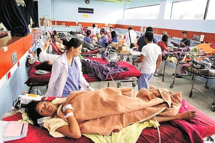 Diputados de Encuentro por Guatemala presentan amparo contra varios funcionarios de Salud por crisis hospitalaria. (Foto Prensa Libre: Hemeroteca PL)