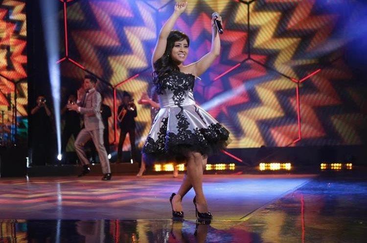 Paola cantará dos temas en español y uno en inglés (Foto Prensa Libre: Facebook / La Academia).