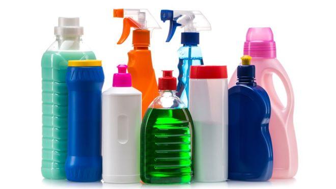 Aunque las autoridades sanitarias coincidan en que repercuten en la salud, muchos químicos siguen estando presentes en nuestras vidas. (THINKSTOCK).